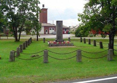 Muistomerkit – Tuohikotti